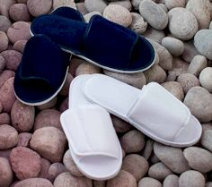 OPEN TOE SLIPPER WITH HOOK AND LOOP FASTENING TC067 30P.TC.048